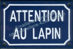Funny French enamel sign (10x15cm) Beware of the rabbit